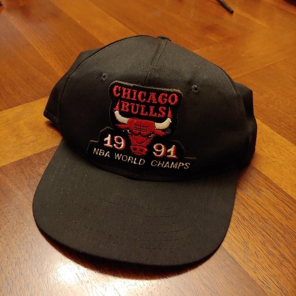 b8b822c73c8 Vintage 1991 Chicago Bulls NBA World Champs hat. M 5b6e23bc04e33d60e082618d